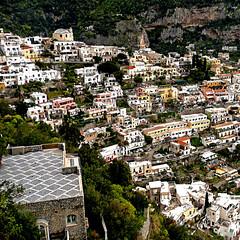 Positano, Costiera Amalfitana (pom'.) Tags: april 2008 napoli naples campania italia italy panasonicdmctz3 europeanunion sorrento penisolasorrentina costieraamalfitana amalfi positano 100 200 300 5000