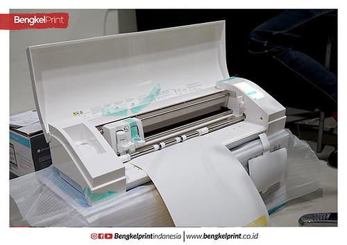 9 Mesin Cutting Terbaik Untuk Cetak Sticker Ukuran Paling Kecil