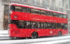 Metroline VWH2397 on route 6 Piccadilly  28/02/18. (Ledlon89) Tags: bus buses london tfl transport londonbus londonbuses londontransport snow weather winter transportforlondon