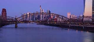 Morning Glow - Frankfurt