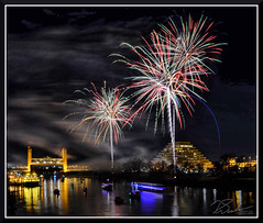 Fireworks_9043 (bjarne.winkler) Tags: 2017 new year firework over sacramento river with tower bridge ziggurat building background
