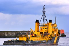 Viking Mull (calzer) Tags: saturday canon viking mull aberdeen standby vessel errv north sea oil industry ship