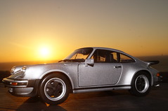 1974 Porsche 911 Turbo 3.0 1/24 diecast made by Welly (rigavimon) Tags: diecast miniaturas 124 1974 porsche welly miniature