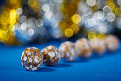 Speckled somethings (Karsten Gieselmann) Tags: blau bokeh braun dof domiplan50mmf28 em5markii gold kunstlicht macromondays makro microfourthirds olympus schärfentiefe silber vintagelens artificiallight blue brown golden kgiesel m43 macro mft silver speckled