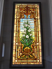 Chicago History Museum, Stained Glass Panel, White Lily Plants (Mary Warren 9.9+ Million Views) Tags: chicago chicagohistorymuseum art glass stainedglass flora plant white blooms blossoms flowers lilies