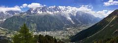 Panorama taken from Le Brévent. View Chamonix and Mont Blanc massif. (elsa11) Tags: chamonix montblancmassif montblanc lebrévent aiguilledumidi glacierdesbossons panorama mountains alps alpen france frankrijk rhonealps hautesavoie auvergnerhonealpes montagnes glacier gletscher gletsjer télécabine cablecar