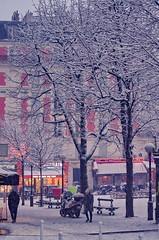 08 Paris en Février 2018 - sous la neige rue des Pyrénées (paspog) Tags: paris france belleville janvier januar january 2018 neige snow schnee ruedespyrénées