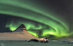 Las Luces del Norte (Urugallu) Tags: lucesdelnorte aurorasboreales islandia iceland isla nieve hielo noche nocturna verde luz color reflejo viaje amistad compañeros joserodriguez urugallu canon 70d