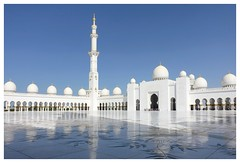 Sheihk Zayed Mosque (posterboy2007) Tags: dome arches minaret uae white sheihkzayedmosque abudhabi marble