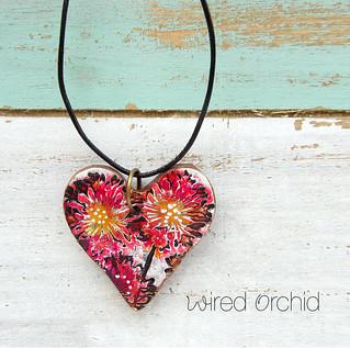 Flower multi heart pendant
