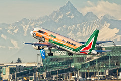 Decollo per pista 18 (fil.nove) Tags: torinoairport decollo takeoff canon60d canon100400ii actionphoto planespotter plane airlines airways airbus airport airplane aereo aeroporto monviso mountains alpi caselle trnlimf airbusa320216 eidsw alitalia turin piemonte italia action commercialairplane airvehicle transportation travel flying modeoftransport passenger sky air vacations tourism peopletraveling journey aircraftwing