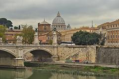 San Pietro da ponte Sant'Angelo (diegozizzari) Tags: roma romacentro tevere fiume cielo colori tramonto sanpietro ponte