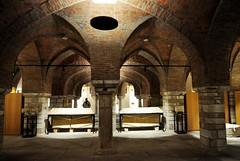 Astorga (León). Palacio Episcopal de Antonio Gaudí. Sótano (santi abella) Tags: astorga león castillayleón españa palacioepiscopaldeastorga antoniogaudí arquitecturamodernista