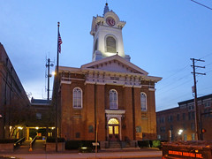 Gettysburg, PA Adams County Courthouse (army.arch) Tags: gettysburg pennsylvania pa gettyburg downtown night city photography historic historicpreservation historicdistrict nrhp nationalregister nationalregisterofhistoricplaces courthouse adamscounty