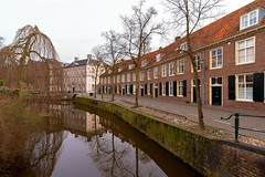Zuidsingel Amersfoort (Dannis van der Heiden) Tags: canal zuidsingel building historic water sky tree house brick quay street reflection weeds willow shutters windows amersfoort netherlands d750 tokina1628mmf28 wideangle