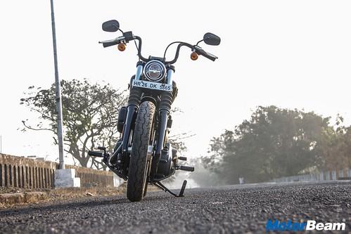 Harley-Davidson-Street-Bob-32