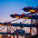 Portainers in Waltershofer Hafen thumbnail