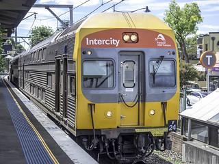 V Set Series 3 DIM8065 - Transport NSW - TrainLink Intercity