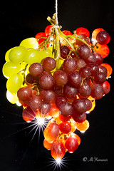 Grapes and the Waterdrops II (Ali Yamaner) Tags: grapes waterdrops green red studio light