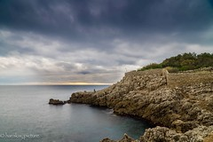 sea the clouds (harakis picture) Tags: garoupe antibes france mediterrané sony a7 light lumiere ocean cotedazur rock stone pierre clouds nuages h