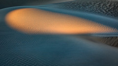 Teardrop (Kirk Lougheed) Tags: california deathvalley deathvalleynationalpark mesquitedunes mesquiteflat usa unitedstates dune landscape nationalpark outdoor park sand sanddunes