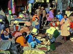 Cuzco: Street market vendors (gerard eder) Tags: world travel reise viajes america southamerica südamerika sudamérica sudamerica latinamerica peru perú cuzco cusco städte street stadtlandschaft streetlife streetmarket market people peopleoftheworld outdoor oldcity andes anden mercado mercadocallejero
