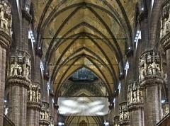 Il Duomo # 8 (schreibtnix on 'n off) Tags: reisen travelling italien italy mailand milan architektur architecture dom cathedral santamarianascente mittelschiff centralnave gewölbe vault strukturen structures olympuse5 schreibtnix