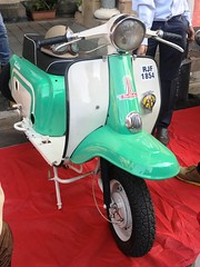 _8199 (Yazed Lord) Tags: vintage rally feb2018 mumbai horniman circle bike bikes