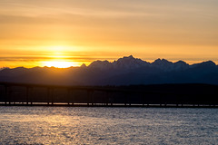 Last Bit of Sun Dips Behind the Olympic Mountains at Sunset from Salsbury Park (Paul T. Marsh/PositivePaul) Tags: 2018 paultmarsh leica9cmf4elmar sunset leica90mmf4 water mountains manualfocus olympicnationalpark olympicmountains hoodcanal color golden washington olympicpeninsula paulmarshphotography sky wwwpaulmphotographycom pacificnorthwest winter lightroomcc fujixpro1