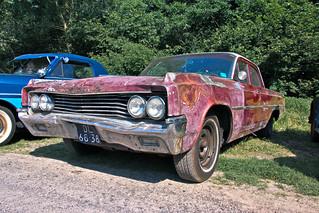 Oldsmobile Dynamic 88 Celebrity Sedan 1963 (9696)