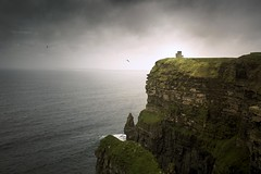 Cliff of moher (Larson.patrik) Tags: cliff moher ireland mountain sea water ocean dramatic birds flying tower huge retusch color nature canon canon6d wide landscape green light larssonpatrik beautiful dream love