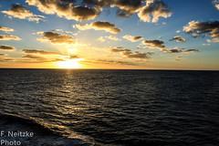 1 Sunset (fneitzke) Tags: portfolio canont5eos1200d canon canont5 january janvrier janeiro summer été verão américadosul americadelsur ameriquelatine latinoamérica latinamerica américalatina oceano ocean mar sea mer oceanoatlântico atlantic atlanticocean sunset pôrdosol coucherdusoleil puestadesol nature natureza naturaleza contrast contraste seascape