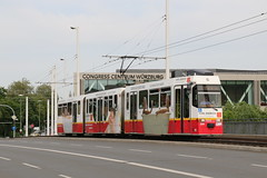 2015-05-11, Würzburg, Fridensbrücke (Fototak) Tags: tram strassenbahn würzburg bayern germany lhb ligne2 208