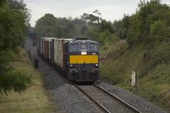 085 on Northwall-Ballina IWT liner near Clonnydonnin 12-Sept-17 (metrovick) Tags: irishrail iarnrodeireann ie071class ie085 iwtliner iwt freighttrain containertrain railroad railwayoffaly railway emd emdexportloco jt22cw 085 clonydonnin