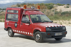 Bombers de Valls (bleulights) Tags: bombers de valls 60080 renault express bomberos firefighters rescue feuerwehr vigili del fuoco pompiers suhiltzaileak straz pozarna