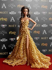 32th edition of the Goya Awards for Spanish cinema. (davidbocci.es/refugiorosa) Tags: 32th edition goya awards spanish cinema barbie mattel fashion doll muñeca refugio rosa david bocci ooak alma red carpet
