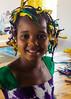 Aissatou (Marián ;)) Tags: niña africana senegalesa posado retrato peinado batik olympus