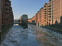 Speicherstadt, Hamburg (rob.brink) Tags: hamburg deutschland germany hafen city urban architecture ice winter snow eis ijs schnee sneeuw speicherstadt harbour harbor water dock warehouse hafencity unesco fleets