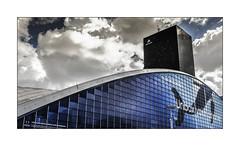 Série La Défense: n° 34 (Jean-Louis DUMAS) Tags: architecture art artist artiste artistic architect architecte building abstract abstrait sony ilca99m2 gratteciel bâtiment ciel ville fenêtre reflets reflections géométrique lignes black noir blanc explore statue bleu blue sky carré square frame hdr reflection