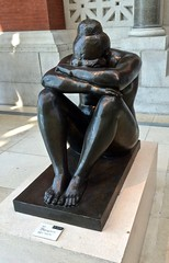 The Met (sctcroft) Tags: themet museum statue night aristidemaillol