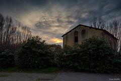 Tramonto al casolare abbandonato (gaddi_luca) Tags: casolare abbandono tramonto sunset campegine nuvoloso abbandonato dramatic sky
