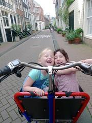 WorkCycles Bakfiets Girls! (@WorkCycles) Tags: amsterdam bakfiets cargobike jordaan kinderen kr8 workcycles