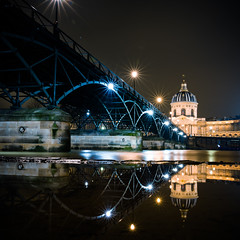 Paris (Zeeyolq Photography) Tags: seine france paris river pontdesarts longexposure institutdefrance bridge night light city