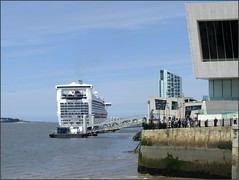 Liverpool 120712 ©Liz Callan (5) (Liz Callan) Tags: liverpool buildings ship boats windows people horse horsesculpture lizcallan lizcallanphotograph lizcallanphotography