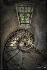 Close your eyes to avoid the dizziness... (Yamabxl) Tags: allemagne hdr couvent decay escaliers urbex abandoned abbandonato derelict dereliction creepy staircase spooky dderelition forgotten forbidden ghost gloomy highdynamicrange hidden lostplaces prohibed prohibé urbanexploration urbexhdr verfall verlassen verlaten dizziness vertige