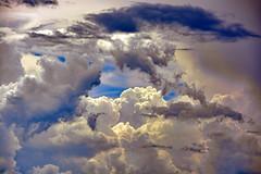 Magic Clouds (Ciceruacchio) Tags: clouds nuages nuvole sky ciel cielo peruggia nikon perugia umbria ombrie groupenuagesetciel