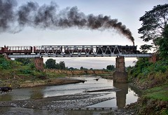 Lewe Mandalay Burma 8th January 2018 (loose_grip_99) Tags: lewe burma myanmar asia railway railroad rail train steam engine locomotive smoke bridge river burmese railways yd 282 964 transportation transport gassteam farrail trains january 2018
