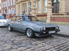 Ford Capri 2.8 Injection Special B204YUH (Andrew 2.8i) Tags: avenue drivers club adc bristol queen queens square breakfast classic classics car cars mark 3 mk mk3 coupe hatch hot hatchback v6 cologne sports sportscar special injection 28 capri ford