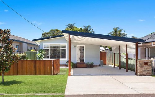 42 Wentworth Av, Woy Woy NSW 2256