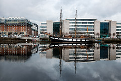 The Jeanie Johnston (rafpas82) Tags: dublin dublino replica jeaniejohnston ship buildings boat palazzi nave rifessi reflections nuvoloso cloudy liffey river fiume mirror mirroring irlanda ireland republicofireland city winter sail naveantica oldship fuji fujifilmx100t x100t fujifilm